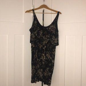Aritzia Babaton Dress. navy and beige pattern